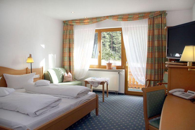 Hotel Schone Aussicht Hornberg Hotel Restaurant C Toubiz